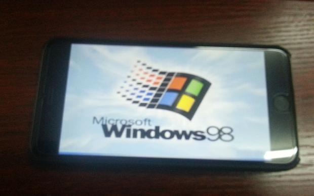 Как установить Windows 95 или Windows 98 на взломанный iPhone или iPad [Video]